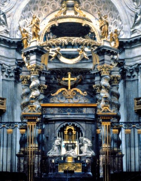 El baldaquino del altar de la Iglesia de Val de Grâce.