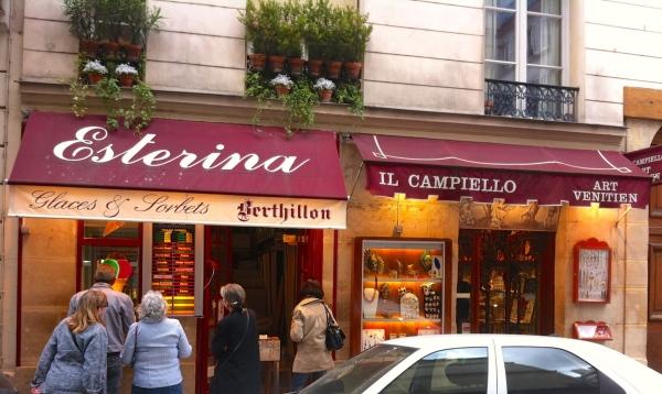 La cafetería Esterina venden helados de Bertillon.